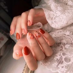 红色方圆形短指甲跳色手绘日式美甲图片