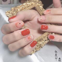 橙色方圆形晕染简约金箔贝壳片手绘美甲图片