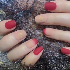 酒红色裸色方圆形磨砂跳色简约短指甲上班族美甲图片