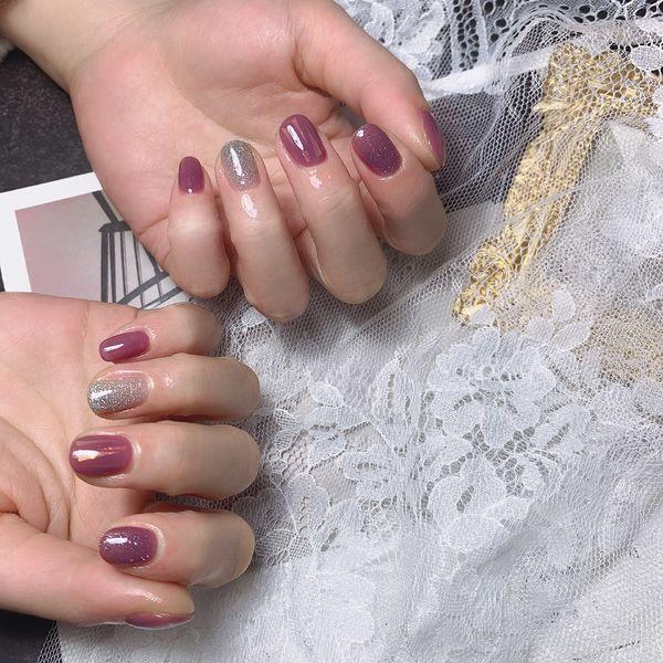 圆形简约紫色美甲图片