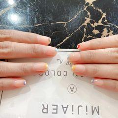 绿色黄色裸色银色橙色蓝色红色酒红色方形夏天短指甲上班族简约花朵春天里的小花花💕💕💕✨✨✨美甲图片