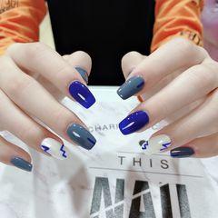 蓝色方形手绘蓝灰色➕白色➕手绘美甲图片