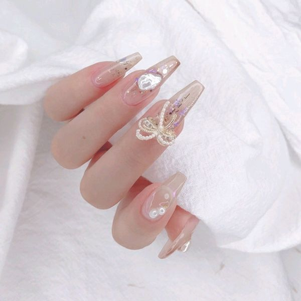 梯形夏天新娘金箔珍珠美甲图片