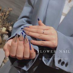 蓝色裸色异形夏天简约美甲图片