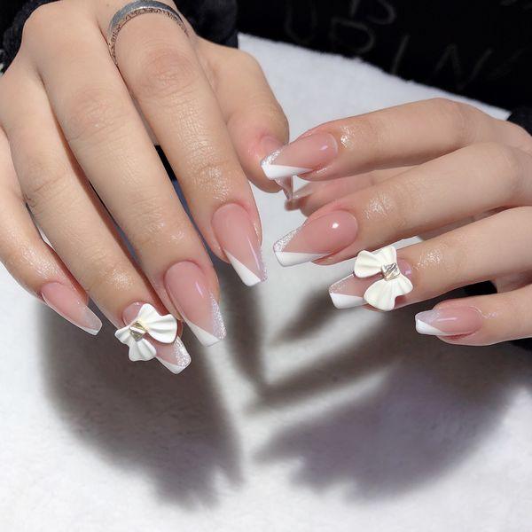 裸色方圆形简约新娘夏天蝴蝶结法式美甲图片