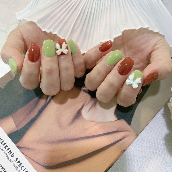 绿色方圆形简约棕色日式美甲图片
