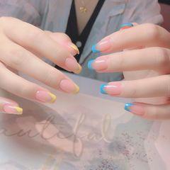 黄色蓝色裸色方圆形夏天法式鸳鸯甲美甲图片