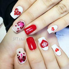 方圆形白色手绘红色爱心立体美甲美甲图片