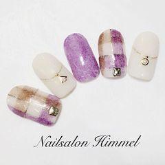 白色格纹紫色皮草甲片美甲图片