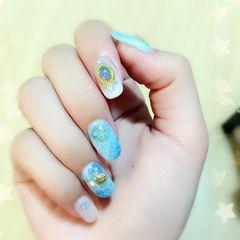 方圆形白色蓝色钻日式夏天美甲图片